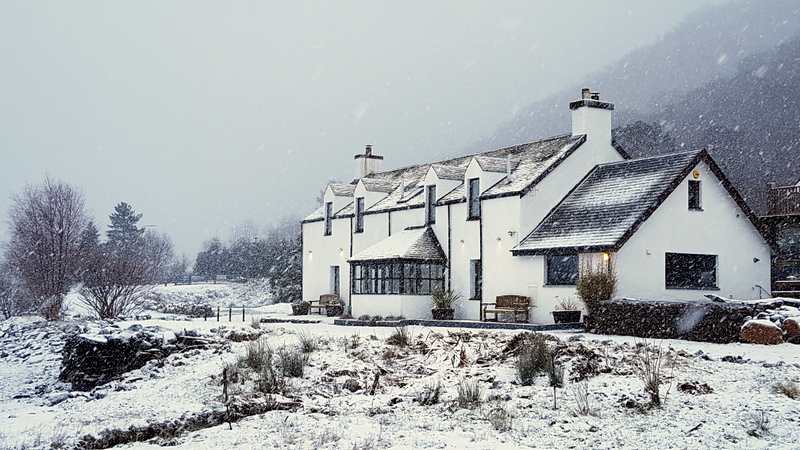Pier House Glencoe ; Winter snowfall January 2021